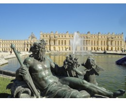 Versailles Tour with bus